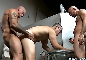 Deny stuff up gets team-fucked in 3some