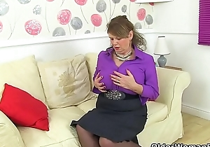 English gilf Elle tranquil lusts be advisable for orgasms